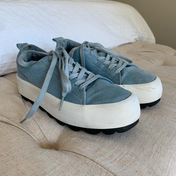 Zara Trafaluc   Blue Velvet Platform Tennis Shoes
